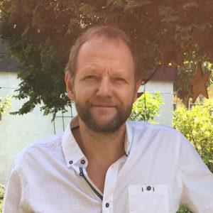 Ralf-Klotzsche-Handwerksmeister-Elektrisch-ausrollbares-Sonnensegel-kundk-sonnensegel-aufrollbar.de